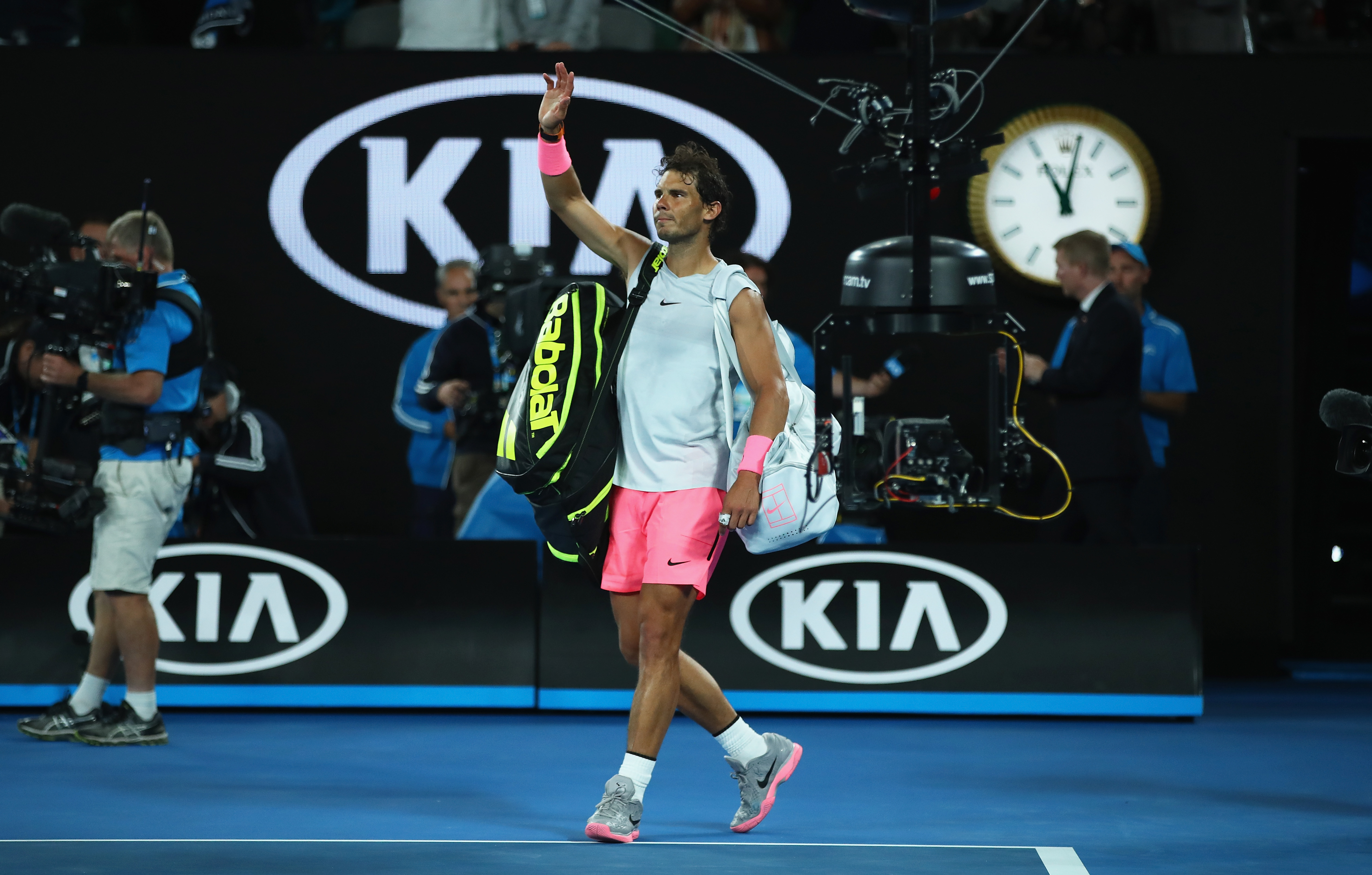 Federer snuffs out Struff to progress in Australian Open